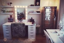 Vanity & Storage / Makeup vanity and storage ideas.