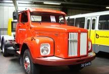 Old and classic trucks / Op dit bord van Oldtimers vindt u vele pins van Old en Classic trucks met een knipoog naar nu. De site links zijn nagenoeg allemaal wel aan de foto gelinkt zodat u bij de meeste op de site van herkomst (bron) nog veel meer foto's kunt zien over die gebeurtenis, merk enz enz.  Kijk ook eens op http://www.flickr.com/photos/jenmpictures2012/sets/72157638187780356/