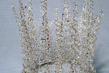 JEWELS/CROWNS/PEARLS/HEADS / Beautiful Crowns and Jewels and Heads through the Ages