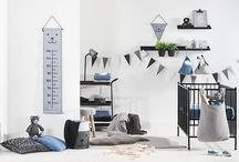 Heavy Knit Collection by Jollein / This beautiful collection includes heavy knitted blankets and nursery accessories. The main colors are black, grey and blue. These timeless colors and lovely materials are easy to combine with other fabrics and baby items. The Heavy Knit collection consists comfortable and warm baby blankets, storage bags and wall storage bags.
