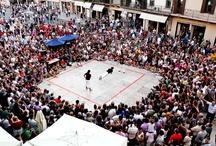 Tocatì - Festival Internazionale dei Giochi in Strada / In questi anni di Tocatì la città di Verona è diventata in Europa un punto di riferimento importante per il gioco tradizionale. Il festival accoglie esperti e appassionati in un Festival che ha fatto delle relazioni territoriali il suo punto di forza.
