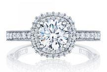 Engagement Rings Dayton Ohio / Elizabeth Diamond Company is fine jewelry store in Dayton and Troy Ohio. We specialize in designer engagement rings.