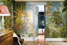 Экзотические обои / В лондонском доме основателя фабрики текстиля и обоев Клод Сесиль де Гурнэ, каждая комната дышит экзотикой и яркими пейзажами, нарисованными вручную.
