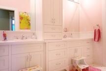 Lak House - Kids Bathroom