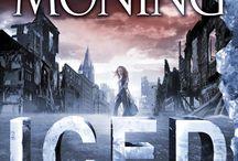 ICED / Book 6 in Karen Marie Moning's FEVER Series.
