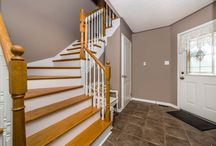 "2262 Warrington Way Innisfil, ON L9S2C6 / MLS# 1606893  THIS BEAUTIFUL 3 BED HOME LOCATED IN THE HEART OF ALCONA WITH BRIGHT KITCHEN, HARDWOOD FLOORS THRU OUT MAIN & UPSTAIRS HALL & BEDROOMS, OAK STAIRCASE. FINISHED BASEMENT WITH BUILT IN TV UNIT. LRG FINISHED LAUNDRY ROOM. MST BDRM WITH WALK IN CLOSET/ ENSUITE BATHROOM. LARGE YARD W/ ENTRANCE TO BACK YARD FOR ""THE TOYS"".   Book your private showing today! Call us for more information 519-772-4144 