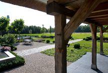 Hoog.design | architecten tuinen / Weet u al hoe uw buitenruimte eruit mag komen te zien? Een tuinarchitect kan u helpen bij het vormen van een duidelijk beeld van uw droomtuin. Ga in gesprek met een tuinontwerper en laat op basis van uw voorkeuren de mooiste tuinontwerpen maken. Bespreek de diverse mogelijkheden voor uw buitenruimte en bespreek de elementen die u graag in uw tuin wilt. U kunt uiteindelijk kiezen voor de tuin die de beste weerspiegeling geeft van uw identiteit en die u het meeste aanspreekt.