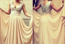 Dresses / by Holly Campbell