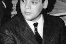 Piero Manzoni / Piero Manzoni (Soncino, 13 luglio 1933 – Milano, 6 febbraio 1963) artista italiano, famoso a livello internazionale per i suoi Achrome e Merda d'artista.