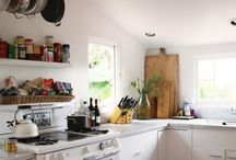 Kitchen / by Hannah Bogue
