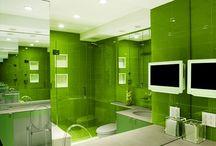 Salles de bain vertes / Voici quelques idées pour aménager une salle de bain de couleur verte.