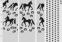 Лошади бисер
