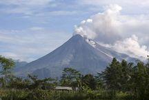 Indonesia the land of volcanoes / Indonesisch vulkanen