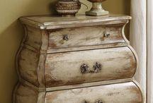 Furniture/Decorations