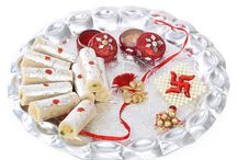 Rakhi with Sweets / Find the best combo of rakhi and sweets. Here you can find your favorite sweets with Rakhi.