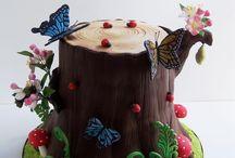 Tree trunk cakes