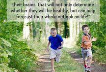 In de benen! / Sporten mag, bewegen moet. Lees hier waarom bewegen zo ontzettend belagrijk is, voor jong en oud.