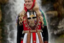 scandinavian folklore costumes/folklore knitting