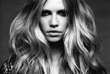 Effortless Waves / Beachy textures/ Bed head/ Morning After/ Relaxed/ Undone/ Bend/ Not curled.