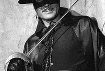 Zorro   (Guy Williams)  (1924-1989) / De son vrai nom Armand Joseph Catalano Un mariage et un divorce : Janice Cooper (de 1948 à 1983) Deux enfants : Steven et Toni