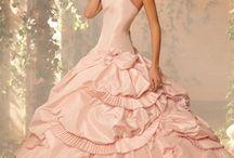 Fantasy Dresses / by Tamara Comstock