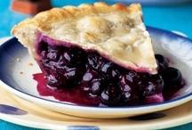 Food: Pies & Tarts / by Linda Cencelewski