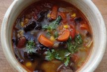 Vegetarian & Vegan Soups / Easy to follow gluten-free, vegan or vegetarian world soups