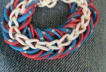 loom bands & Jongens / Maak leuke WK armbandjes of stoere accessoires met Loom bands! Wij verkopen echt superleuke jongenskleuren. Koop ze en doe hieronder leuke ideetjes op!