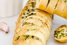 Pan,  pasteles,   bocadillos..