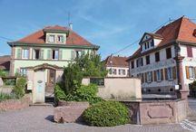 Escapade à Wattwiller (68), le village de l'eau / L'eau minérale de Wattwiller, qui jaillit du Parc Naturel Régional des Ballons des Vosges, a toujours fait la renommée et la richesse de la commune. On y vient aujourd'hui pour visiter son espace d'art contemporain mais aussi filer sur les hauteurs du Hirtzenstein et du Vieil Armand.