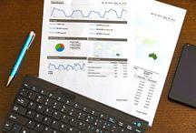 Optymalizacja kampanii AdWords / W istniejących już kampaniach AdWords niezwykle istotną kwestią jest ich systematyczna optymalizacja, czyli działania, które mają na celu ich ciągłe ulepszanie. Takie dążenie do poprawy osiąganych wyników jest ważne nie tylko ze względu na sam odbiór reklam przez użytkowników, ale także w kontekście lepszego, bardziej efektywnego wydawania pieniędzy. Dlatego z całą pewnością należy regularnie optymalizować każdą prowadzoną przez nas kampanię.