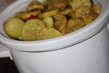 Crockpot recipes / by Debbie Pettey