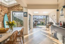 Rear extension - poets corner / A beautiful modest flat roof rear extension. The design maximises the south facing sunlight to provide winter solar gain and flood natural light into the warm interior space