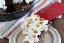 Desserts / by Julie Bettwy