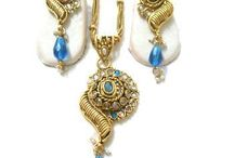 Indian Jewelry Collection at Antiquariat jaipur india / if you are looking for some real antique jewellery, the Antiquariat Jaipur welcomes you, where you will get the finest Indian jewellery in best quality at best price.