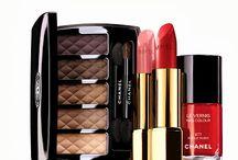 """Chanel - Collection nuit infinie / La nuova collezione Natale 2013 di Chanel """"Nuit Infinie"""" è elegante, ricca di colori e molto sofisticata."""