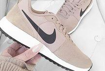 Nike-Schuhe ♡