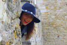 """Con falda y a lo loco por Lisboa / """"Con falda y a lo loco por #lisboa"""", ya tenemos nuevo post en el blog, dónde podrás descubrir los preciosos lugares de la capital del país vecino junto a un nuevo #lookpropuesta con #faldalápiz y #whitesneakers"""