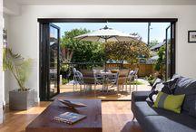Tuindeuren / Op zoek naar een manier om uw woonkamer en tuin op een mooie manier met elkaar te verbinden? Kies dan voor tuindeuren!
