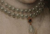 Старинные женские украшения