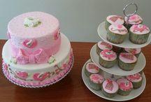 torta y cupcake con pajaritos