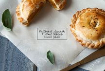many more kinds of pies / baked pies, hand pies, etc / by Rosanne Gionet