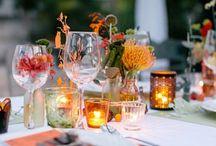 """""""Herbsthochzeit"""" als Hochzeitsthema / Eine Hochzeit im Herbst lebt von warmen, satten Farben, ein wenig rustikalen Touch und gemütlichem Ambiente. Entdeckt Inspirationen für die Herbsthochzeit - ob Deko, Brautkleid oder Brautstrauß!"""