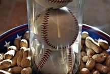 Baseball/Softball party / Lots of ideas to help you plan a game winning baseball or softball theme party, including ideas for food, decorations, crafts and more.
