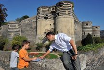 Pour les petits curieux / Châteaux, quartiers historiques, jardins et musées sont de fabuleuses machines à remonter le temps. A Angers Val de Loire, l'histoire ne s'apprend pas que dans les manuels scolaires !