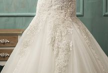 Wedding Gowns!! / by ☀Anna Kathryn☀