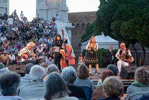 Zemer Atik Quartet in concerto / Il gruppo proporrà una selezione di melodie klezmer e qualche brano tradizionale dell'est Europa (balcanica, klezmer, gitana, russa) facendone apprezzare i colori e le sonorità linguistiche e musicali, estremamente suggestive, vivaci e comunicative.