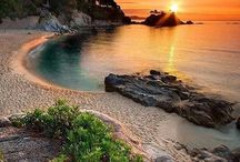 Beautiful scenery beach / Very pretty and charming ..