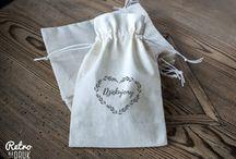Drewniane stemple ślubne zaproszenia ślubne, podziękowania ślubne