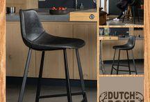 DUTCHBONE / Vzdušný, lehký, s důrazem na jednoduché tvary, precizní detaily a funkci. Skandinávský design milujeme napříč generacemi, je nadčasový a jen tak se neokouká. Charakteristické je použití přírodních materiálů, dřeva a textilu, bílá barva v kombinaci s pastelovými tóny, funkční doplňky a geometrické vzory.